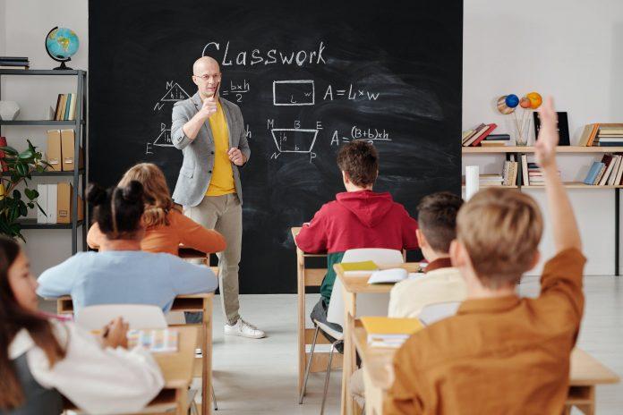 13 Cara beradaptasi pertama kali masuk sekolah
