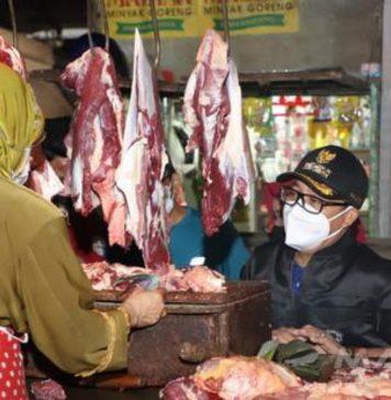Pedagang di Pasar Rakyat Malang Diberikan Pembebasan Retribusi