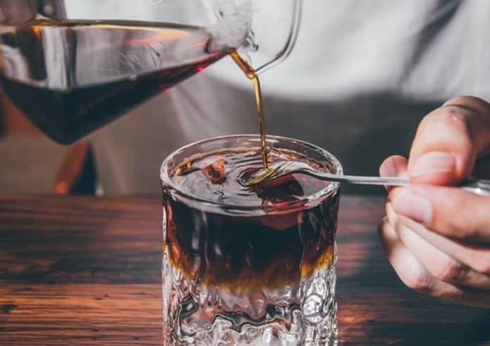 Ketahui Efek Minum Kopi Tanpa Gula Vs Pakai Gula dari Segi Kesehatan